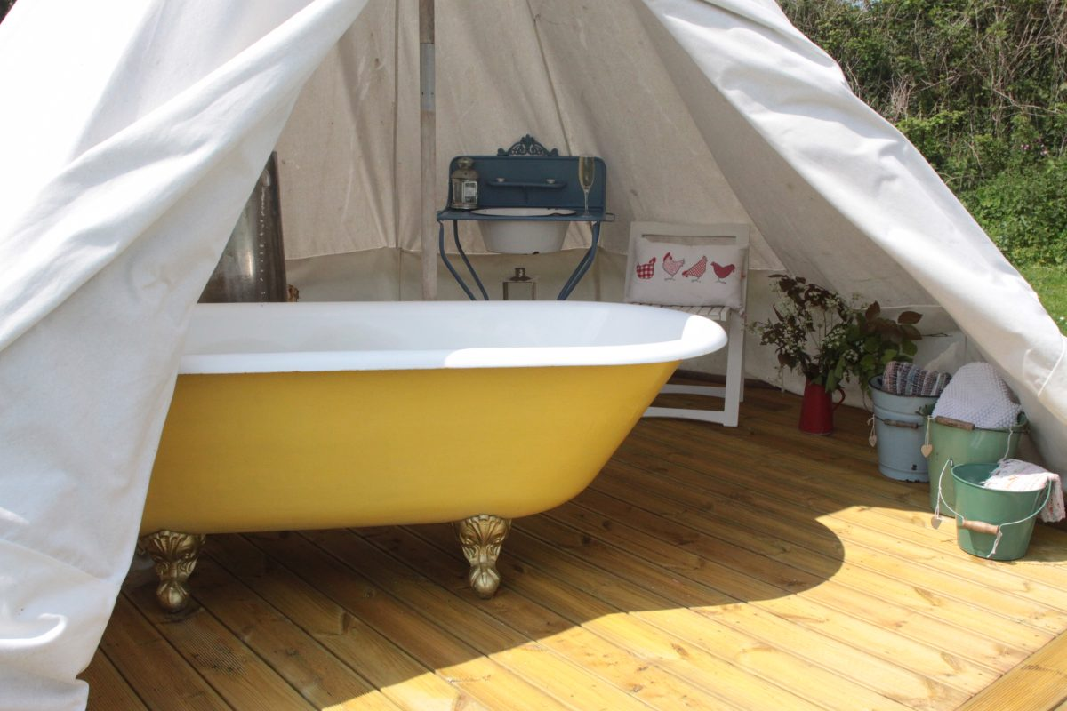 Bath tent at Devon Yurt