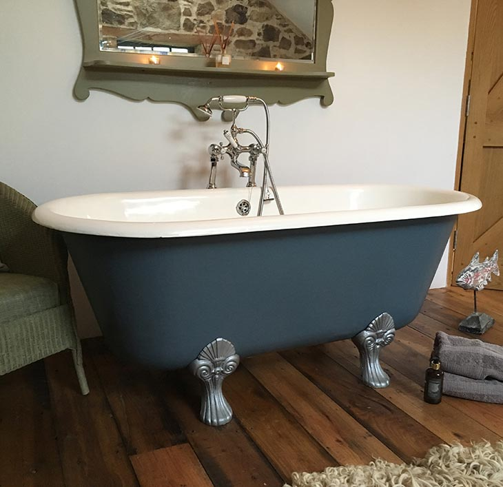 New roll top bath for Granary Bed and Breakfast