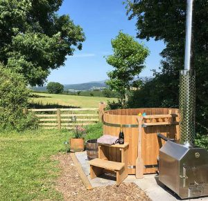 Great Links outdoor hot tub at Devon Yurt holidays